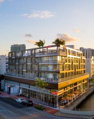 Palomar-Hotel-golden-thumbnail